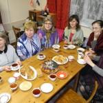 DSCN1974 - чаепитие с домашним хлебом под просмотр фото-видео материалов с Соловков